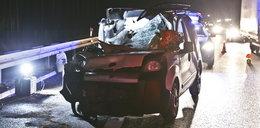 Śmierć na drodze. Auto zostało zmiażdżone!
