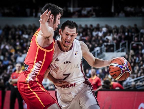 Janis Blums u duelu protiv Španije