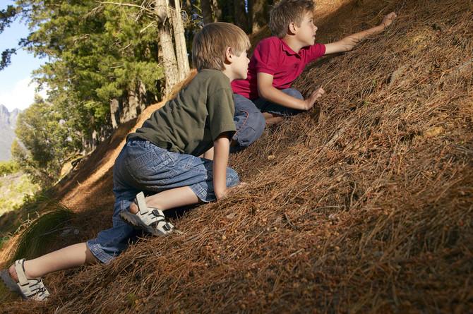 Deca koja se igraju u blatu, zemlji i pesku imaju jak imunitet