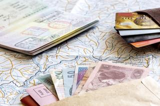 Rozliczamy pracujących za granicą. Fiskus chce poznać ich dochody, a może i uszczknąć PIT
