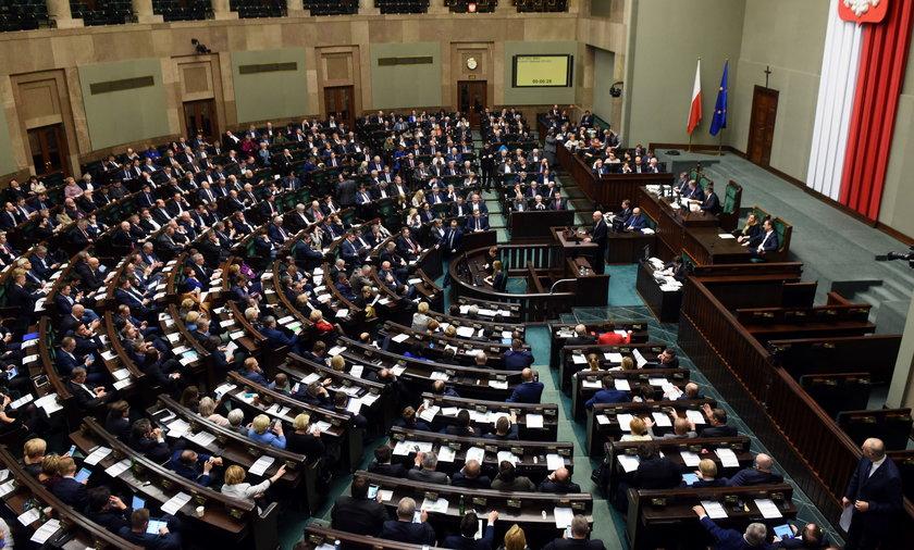 Sejm będzie nas kosztować w 2022 roku wyjątkowo dużo. Dotarliśmy do projektu budżetu Kancelarii Sejmu.