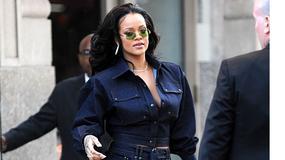 Rihanna odsłania nogi w mini. Ona wie, jak oczarować!