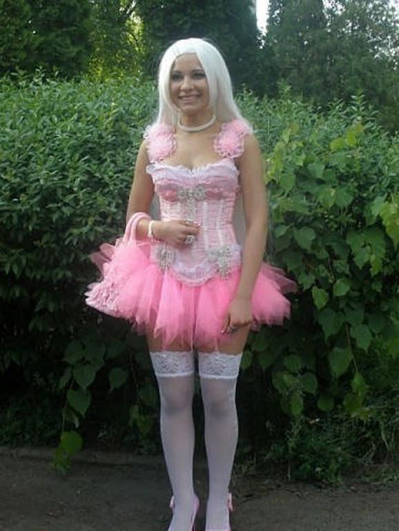 Jasno je da joj je idol Barbika