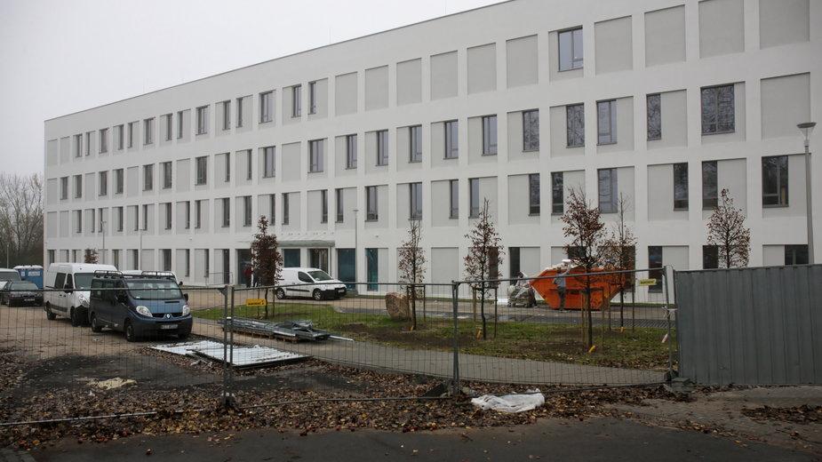 Budowa szpitala tymczasowego w Centrum Zdrowia Matki i Dziecka w Zielonej Górze, 10.11.2020