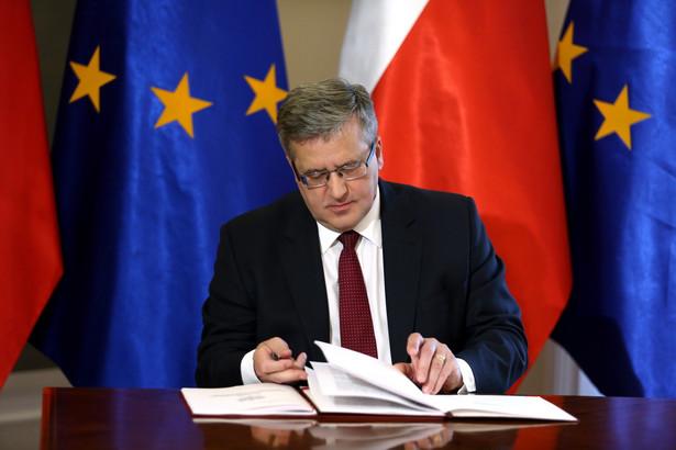 Prezydent RP Bronisław Komorowski, podczas uroczystości zatwierdzenia Strategii Bezpieczeństwa Narodowego