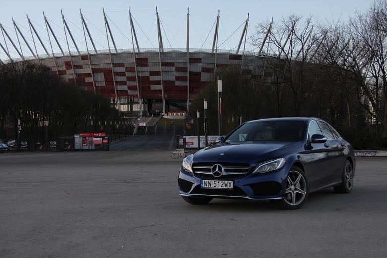 Mercedes klasy C z zestawem Burmester