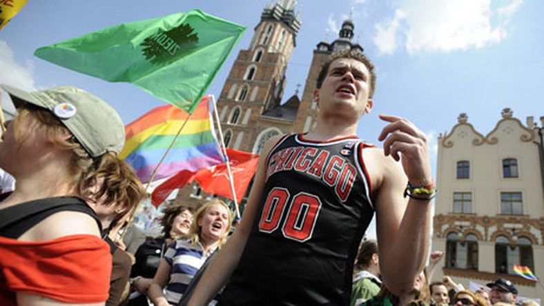 Senatorowie: Zakazać gejom maszerowania!