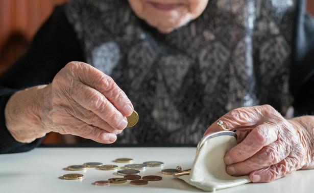 Dodatki do emerytur i rent zostaną podwyższone ustawowym wskaźnikiem waloryzacji