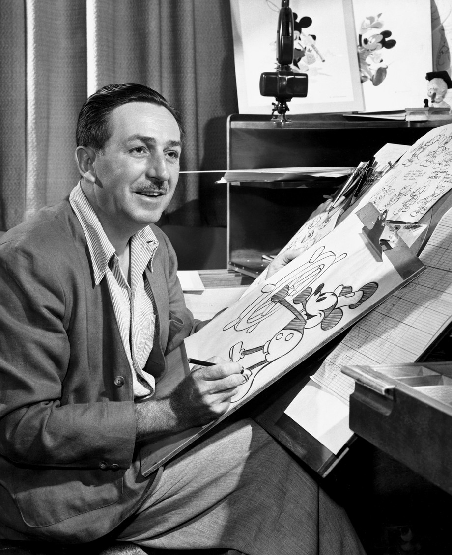 WaltDisney MickeyDrawing