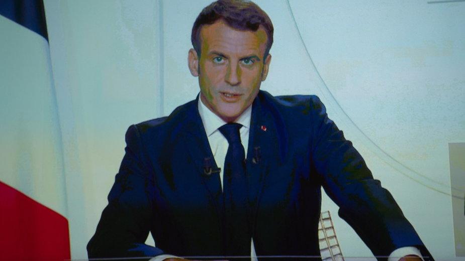Emmanuel Macron podczas wygłoszonego orędzia do narodu francuskiego