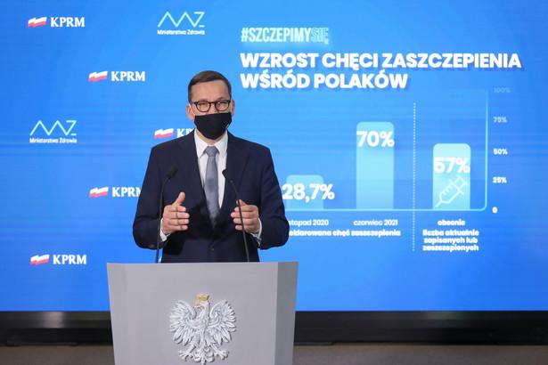Premier Mateusz Morawiecki podczas konferencji prasowej w Warszawie