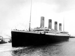 Titanic leaving Southampton on her maide