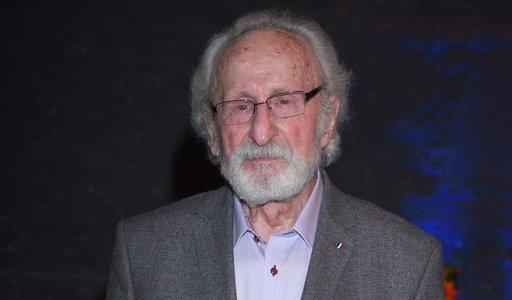 Franciszek Pieczka wciąż nie dostał szczepionki. 93-letni aktor przyznaje: Nie wiem, od czego to zależy