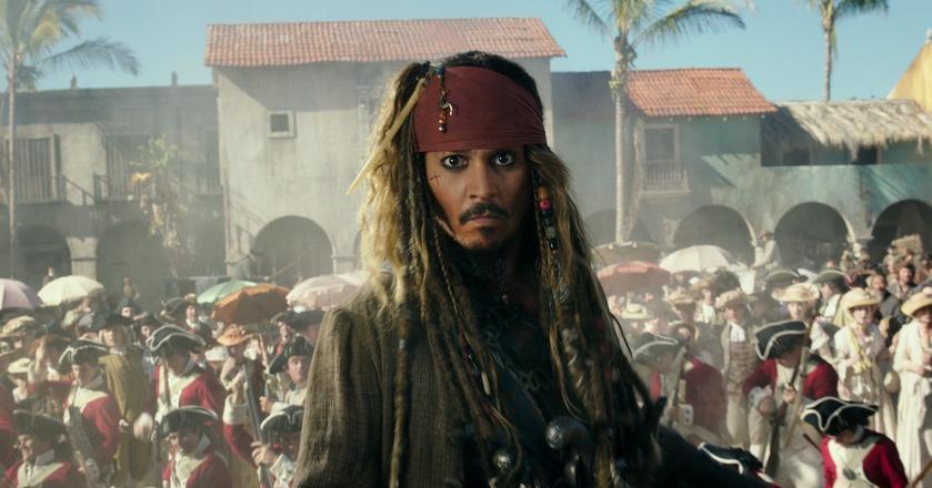 """Johnny Depp jako kapitan Jack Sparrow w filmie """"Piraci z Karaibów: Zemsta Salazara"""""""