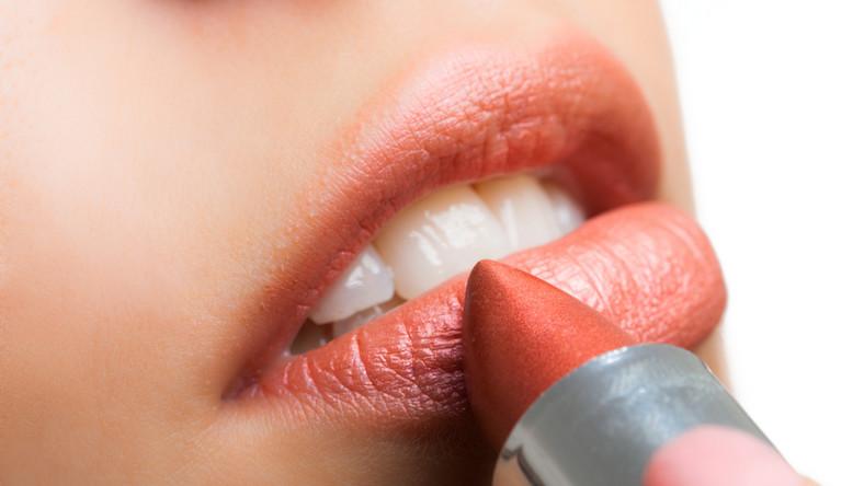 Czy szminka może być niebezpieczna dla zdrowia?