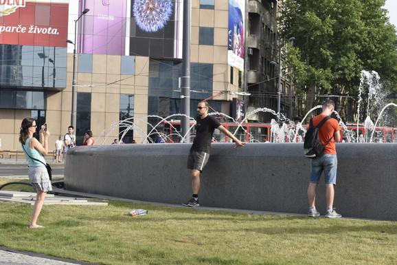 Slikanje ispred muzičke fontane