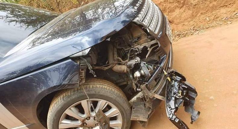 A damaged Rang Rover vehicle
