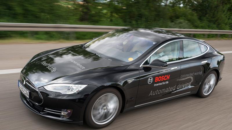 Autonomiczna Tesla S