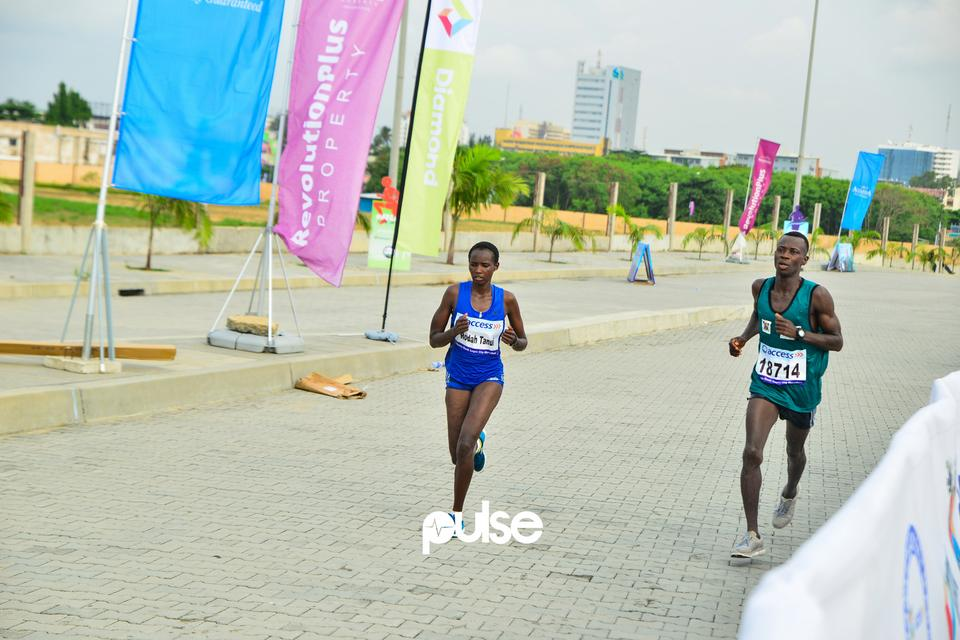 Runners on Ahmadu Bello way, Victoria Island for Access Bank Lagos City Marathon 2019