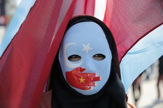 Firmy odzieżowe między chińskim młotem a zachodnim kowadłem