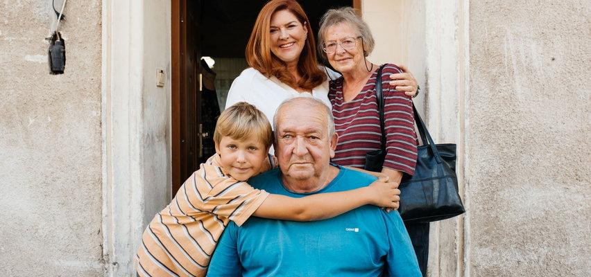 """Ekipa """"Nasz Nowy Dom"""" odmieniła życie tej rodziny. 8-letni Wiktor zaniemówił z wrażenia. """"To jest czary-mary chyba"""""""