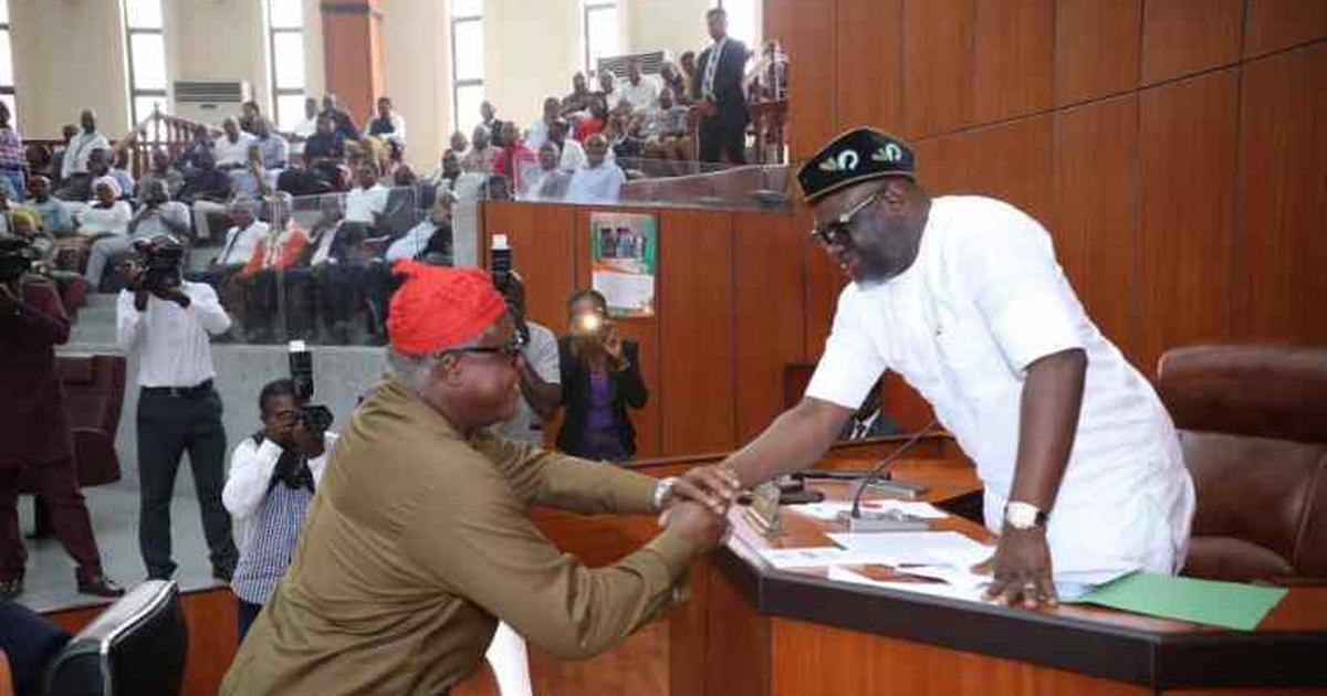 Akwa Ibom speaker swears in APC member - Pulse Nigeria