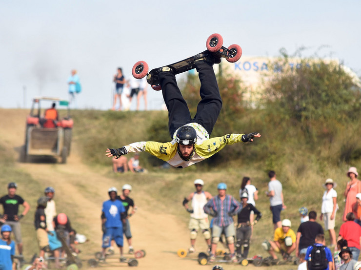 Novi Sad028 svetsko prvenstvo u planinskom skejtbordu u Bukovcu foto Nenad Mihajlovic