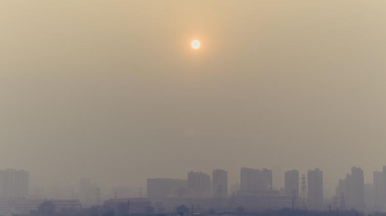 Ze smogiem zmierza się coraz więcej miast w Polsce