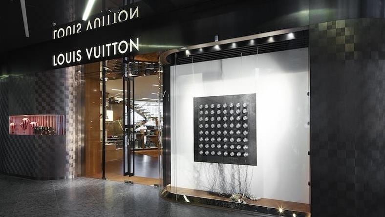 fdceb556cde42 Salon Louis Vuitton w Warszawie otwarty. A co w środku? - Forbes