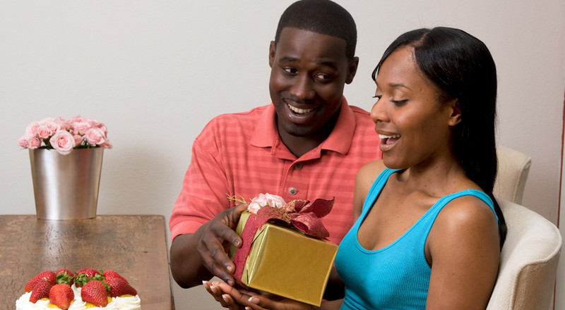 Worst gifts you should not give anyone for Valentine's day