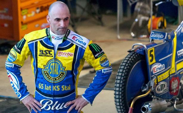 46-letni Gollob, indywidualny mistrz świata z 2010 roku, w niedzielne przedpołudnie miał wystartować w motocrossowych mistrzostwach strefy północnej w Chełmnie