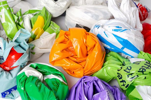 Obecne przepisy pozwalają na podniesienie opłaty recyklingowej do maksymalnie 1 zł od każdej foliówki.