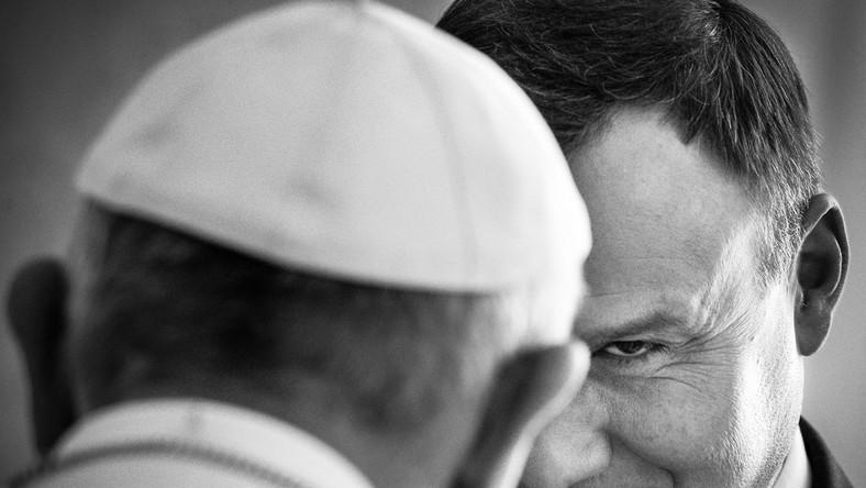 III miejsce w kategorii LUDZIE Watykan. Prezydent Andrzej Duda na audiencji u papieża Franciszka w Pałacu Apostolskim. 9 listopada 2015