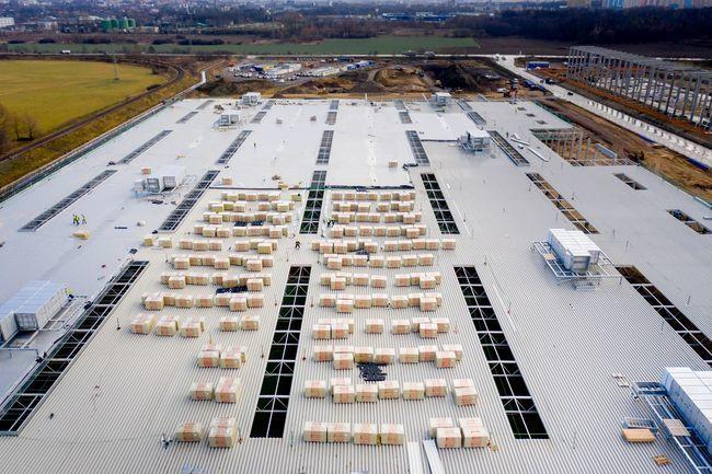 Nowa fabryka w Gliwicach od przyszłego roku ma produkować nawet 100 tys. dużych aut dostawczych rocznie