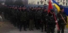 Z flagami ruszyli na uzbrojonych Rosjan!