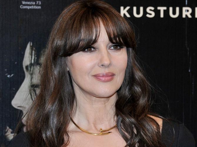 Monika se u Italiji pojavila GOLIŠAVA: Ako na njoj primetite da ima 52 godine, bićete jedini!