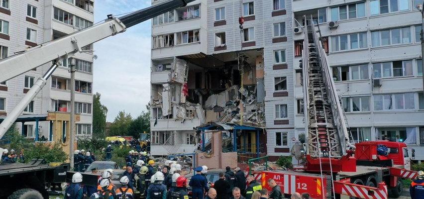 Potężny wybuch gazu w bloku, zawaliły się 2 piętra. Ewakuowano 170 osób