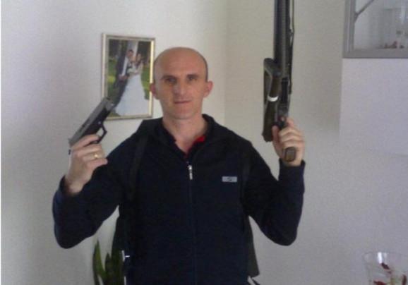 Pretio vešanjem Danilu Vučiću