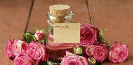 Dlaczego powinnaś mieć w łazience olejek różany?