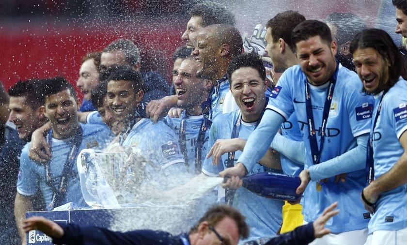 Puchar Ligi w Anglii - trofeum dla Manchesteru City