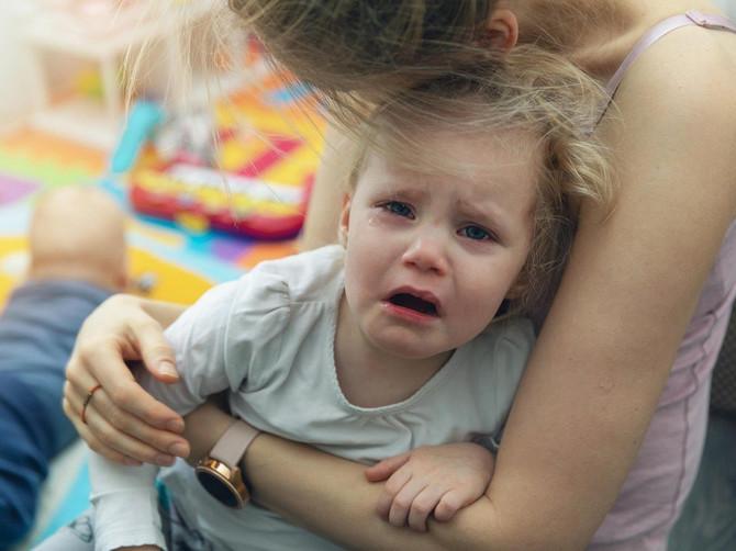 Vaše dete ima temperaturu, odbija da jede i povraća? Evo šta može biti uzrok, a NIJE VIRUS