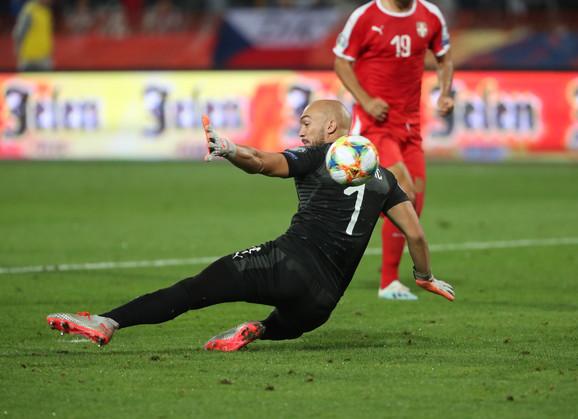 Savladani Dmitrović protiv Portugala