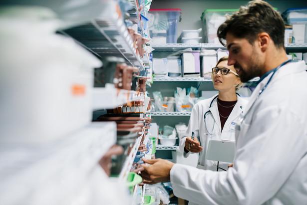 Opieka farmaceutyczna ma zostać oparta na siedmiu rodzajach świadczeń sprawowanych przez farmaceutów