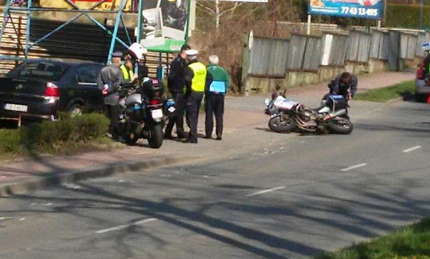 Policjant jadący na motorze mialł wypadek w Krapkowicach