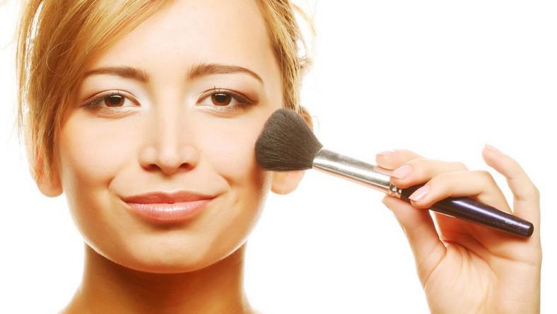 Odmładzający makijaż - możesz wykonać go sama!
