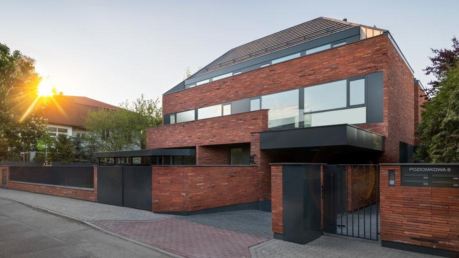Dom dla czeterch rodzin w Warszawie