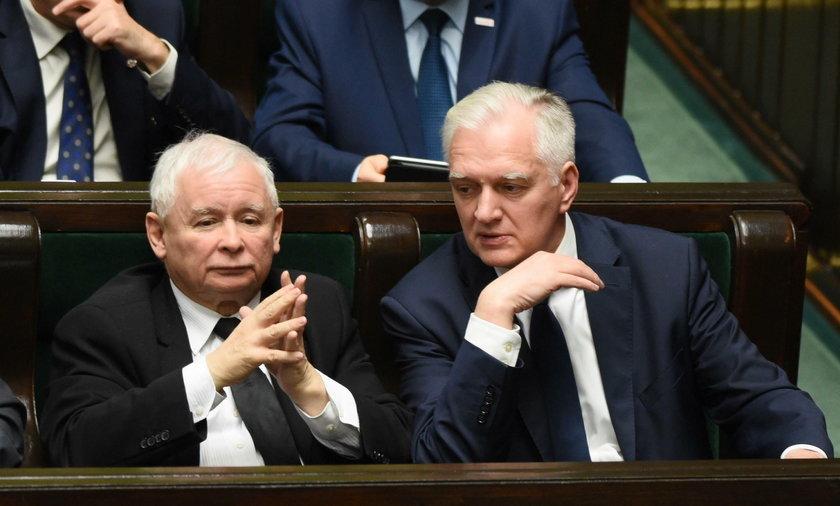 Na zdjęciu od lewej: prezesi koalicyjnych partii Jarosław Kaczyński (PiS) i Jarosław Gowin (Porozumienie).