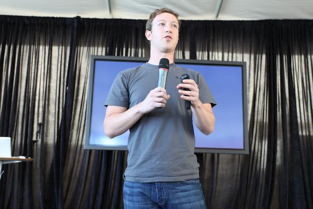 """Założyciel serwisu społecznościowego Facebook i jego dyrektor generalny Mark Zuckerberg został ogłoszony Człowiekiem Roku 2010 amerykańskiego magazynu """"Time"""". Fot. flickr/Robert Scoble"""