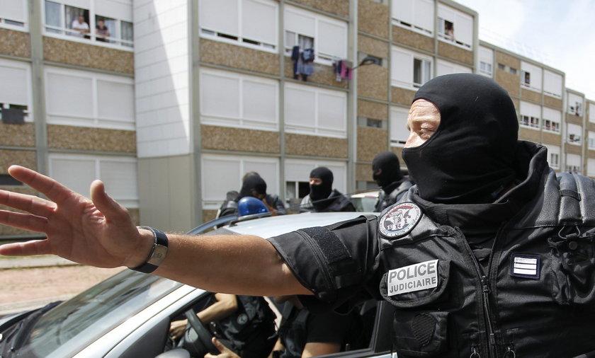 Terroryści chcieli ściąć oficera bazy wojskowej we Francji
