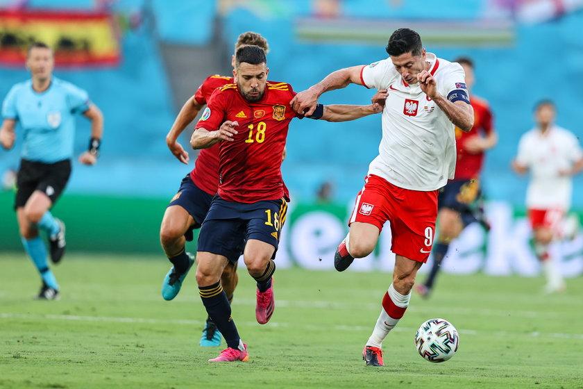Zawodnicy Sousy odebrali lub przechwycili 11 piłek na połowie rywali, na hiszpańskiej części boiska udało im się 10-krotnie.